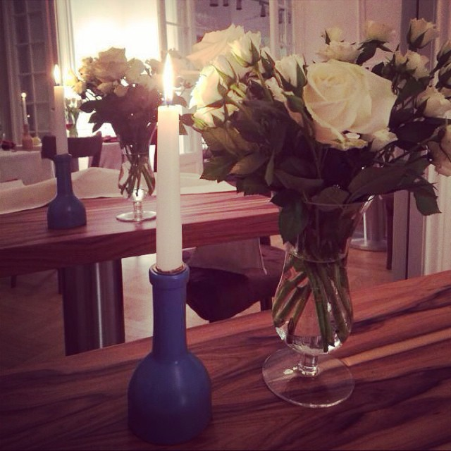 #dinner#lifestyle#romantic#whiteroses#candle#iconicfoodwine#instastyle#2014#
