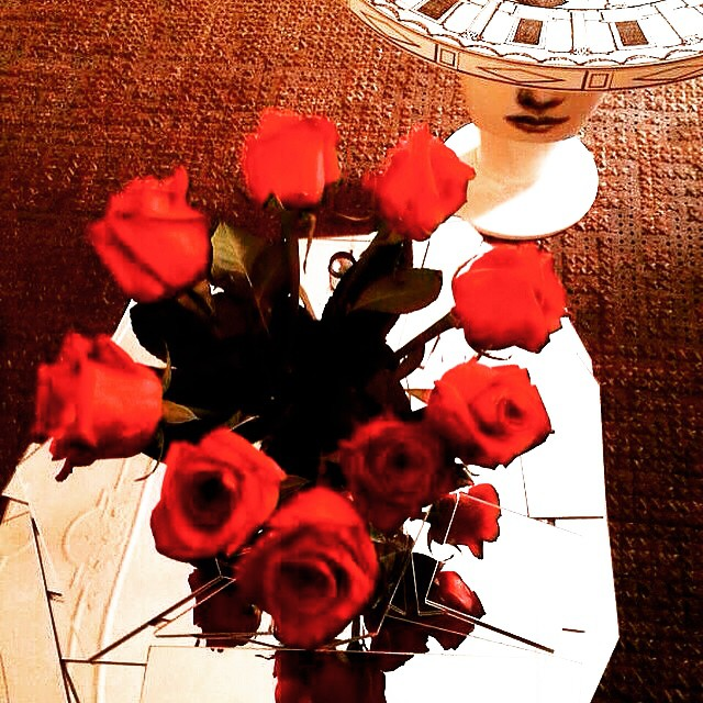 I m in love with these roses #roses #red #love…